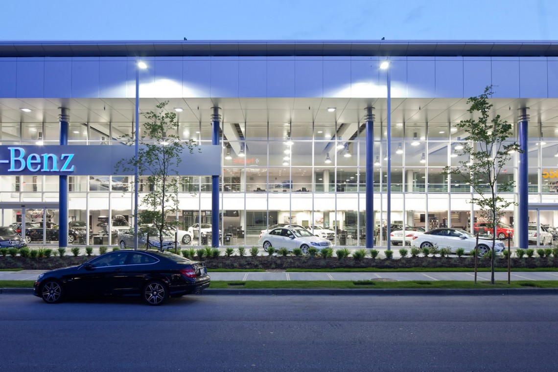 Glass Showcase For Mercedes Benz On Terminal Phoenix Glass